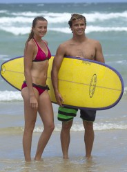49c086228810721 Daniela Hantuchova ~ Bikini at the beach / Brisbane, Dec 27 '12 candids