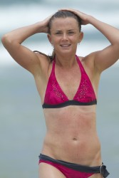 c22aad228810123 Daniela Hantuchova ~ Bikini at the beach / Brisbane, Dec 27 '12 candids