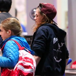 Kristen Stewart - Imagenes/Videos de Paparazzi / Estudio/ Eventos etc. - Página 31 32cf5c229010029