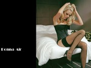 Donna Air : Hot Wallpapers x 3