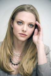 Amanda Seyfried 'Gone' Press Conference Portraits In Beverly Hills Feb 10 '12