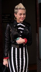 Miley Cyrus - leaving her hotel in NY 2/14/13