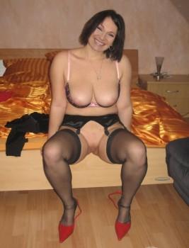 Kelly naked lorraine