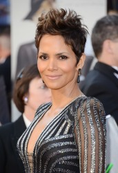Halle Berry - 85th Annual Academy Awards in Hollywood 2/24/13