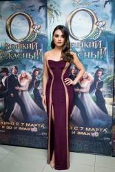 Mila Kunis &amp;amp; Michelle Williams - 'Oz The Great And Powerful' premiere in Moscow 2/27/13
