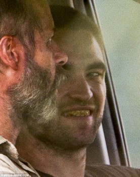 Imagenes videos en el set de The Rover E21270241380333
