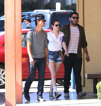 Team Kristen Stewart New Pictures Video Of Kristen And Taylor