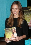 Jessica Alba - &amp;quot;The Honest Life&amp;quot; Book Signing in Pasadena - March 16, 2013