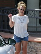 Britney Spears - Forever Bella Spa & KFC - Thousand Oaks, CA - March 19, 2013 - **ADDS**