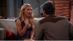 "5b7ae1247810902 Emily Osment – ""Two and a Half Men"" S10E20 appearance in Los Angeles, April 4, 2013 candids"