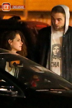 Robsten - Imagenes/Videos de Paparazzi / Estudio/ Eventos etc. - Página 10 1a150f248137556