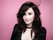 Demi Lovato - Girlfriend 2013