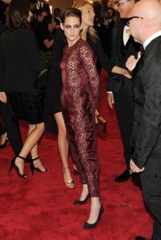 Kristen Stewart - Imagenes/Videos de Paparazzi / Estudio/ Eventos etc. - Página 31 C3574e253107884