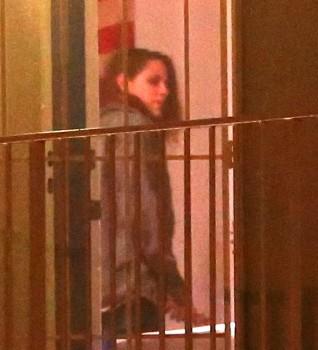 Kristen Stewart - Imagenes/Videos de Paparazzi / Estudio/ Eventos etc. - Página 31 A17a4d255374776