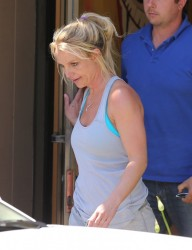Britney Spears - Stopping by a dance studio in Thousand Oaks 5/20/13