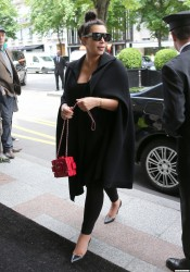 Kim Kardashian - Out for lunch in Paris 5/22/13