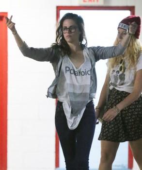 Kristen Stewart - Imagenes/Videos de Paparazzi / Estudio/ Eventos etc. - Página 31 D8addd256029624