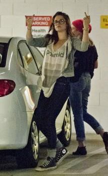 Kristen Stewart - Imagenes/Videos de Paparazzi / Estudio/ Eventos etc. - Página 31 97f424256069016