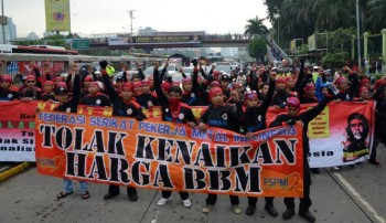 Buruh demo tolak kenaikan harga BBM / Vivanews