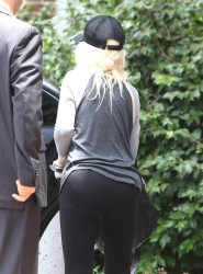 Christina Aguilera - at a gym in Thousand Oaks 7/2/13