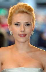 Scarlett Johansson - The Island UK premiere - August 8, 2005  [91 HQ]