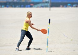 f4a74a270457861 [Ultra HQ] Carrie Keagan   at a photoshoot in LA 8/13/13 high resolution candids