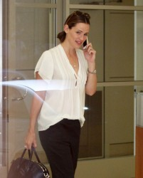 Jennifer Garner - at an office building in Burbank 8/16/13
