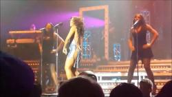 Toni Braxton dancing