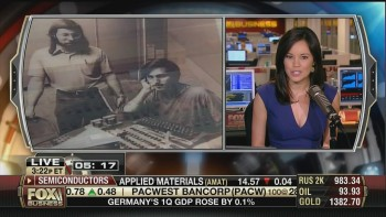 JO LING KENT cleavage lowcut - fbn - may 24, 2013
