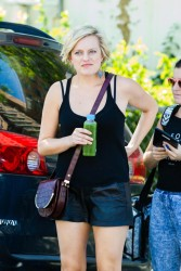 Elisabeth Moss - on the set of 'Listen Up Philip' in NYC 9/4/13