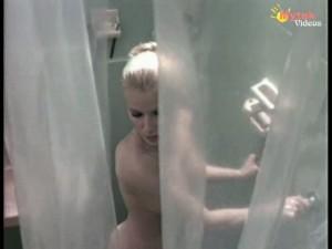 Alma delfina actriz mexicana ensenando las tetas - 2 part 2