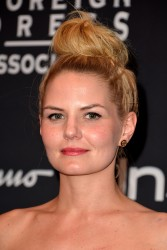 fd9e44275201243 [Ultra HQ] Jennifer Morrison   2013 InStyle & HFPA TIFF Party   Toronto   9/9/13 high resolution candids