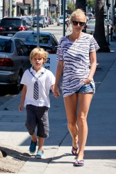 Gwyneth Paltrow  family out in Los Angeles Sept.15,