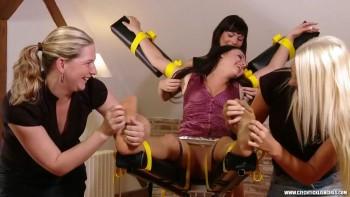 щекотка проституток