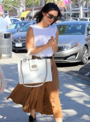 Rachel Bilson - at Urth Caffe in Beverly Hills 10/19/13