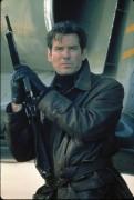 Джеймс Бонд 007: Завтра не умрёт никогда / Tomorrow Never Dies (Пирс Броснан, 1997) F6d421282989079