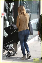 Hilary Duff Wearing Tight Jeans in Los Angeles - October 27, 2013
