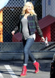 Gwen Stefani - Out in LA 11/5/13