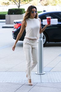 c79018287254940 Eva Longoria – out and about candids in Century City