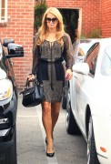 Paris Hilton -  Visits Piny Salon 11/12/13