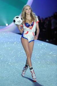 Cara Delevingne – 2013 Victorias Secret Fashion Show in NYC, Runway Nov. 13