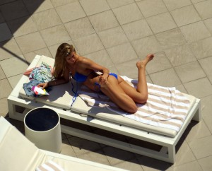 121682289489788 Amy Willerton – bikini poolside candids in Sydney