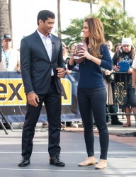 Maria Menounos - on the set of Extra in Universal City 11/19/13