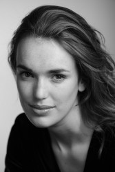874489290365438 Elizabeth Henstridge – Unknown Photoshoot photoshoots
