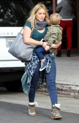 Hilary Duff - Out for breakfast in Beverly Hills 11/23/13