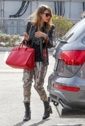 Jessica Alba - at her office in Santa Monica 11/26/13
