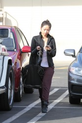 052cc7291662812 [Ultra HQ] Brenda Song   out in Studio City 11/26/13 high resolution candids