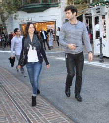 775f87291663185 [High Quality] Jessica Lowndes   at The Grove in LA 11/26/13 high resolution candids
