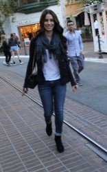 ee1605291663679 [High Quality] Jessica Lowndes   at The Grove in LA 11/26/13 high resolution candids