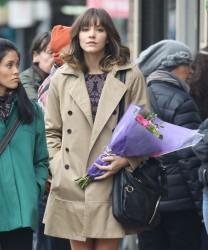 fa59a7291813868 [Low Quality] Katharine McPhee   on the set of In My Dreams in Vancouver 11/28/13 high resolution candids